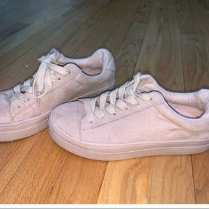 BRASH size 6 pink velvet sneakers